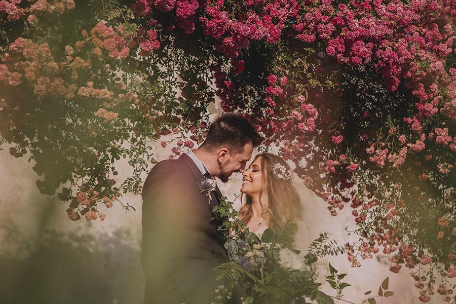 Promise me - lush green Italian wedding inspiration with an AMAZING sunset (16)