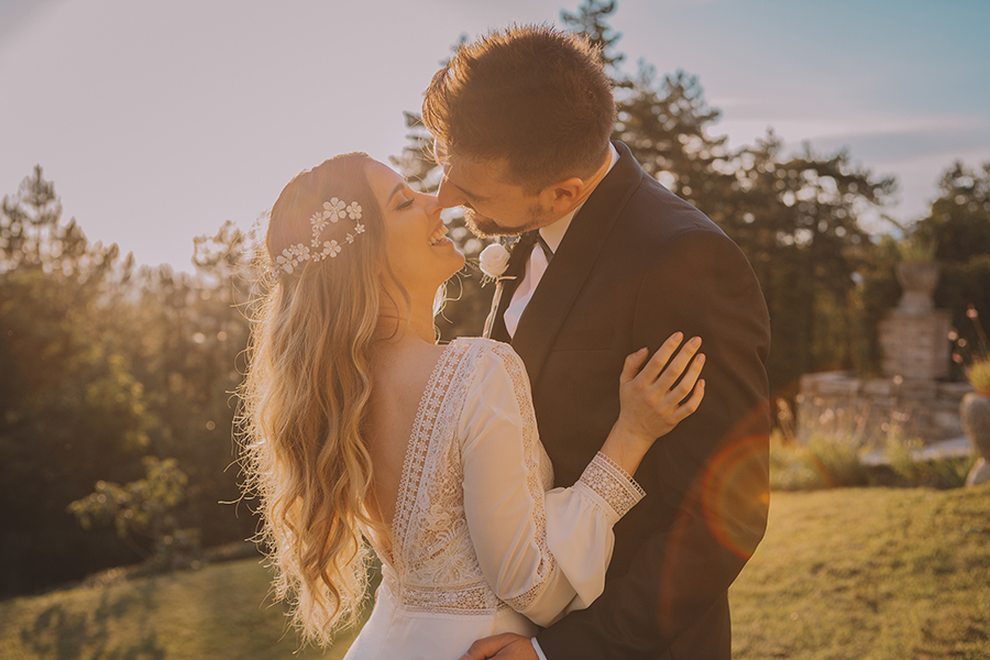 Promise me - lush green Italian wedding inspiration with an AMAZING sunset (26)