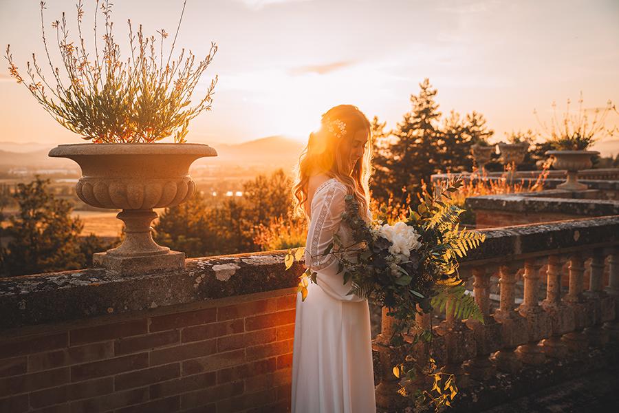 Promise me - lush green Italian wedding inspiration with an AMAZING sunset (28)