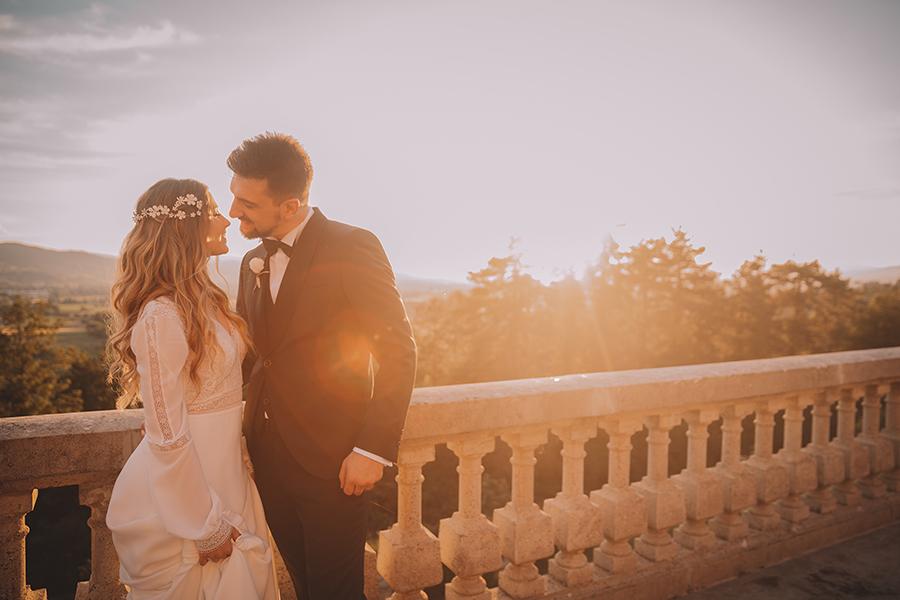 Promise me - lush green Italian wedding inspiration with an AMAZING sunset (29)