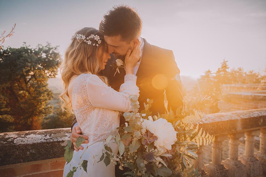 Promise me - lush green Italian wedding inspiration with an AMAZING sunset (30)