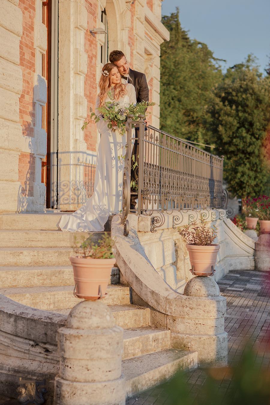 Promise me - lush green Italian wedding inspiration with an AMAZING sunset (36)