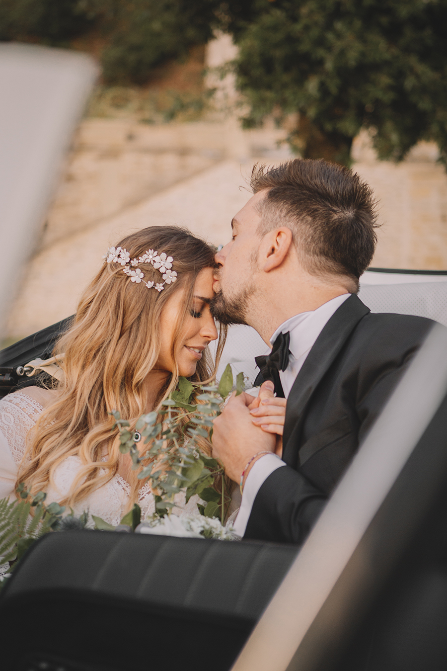 Promise me - lush green Italian wedding inspiration with an AMAZING sunset (37)