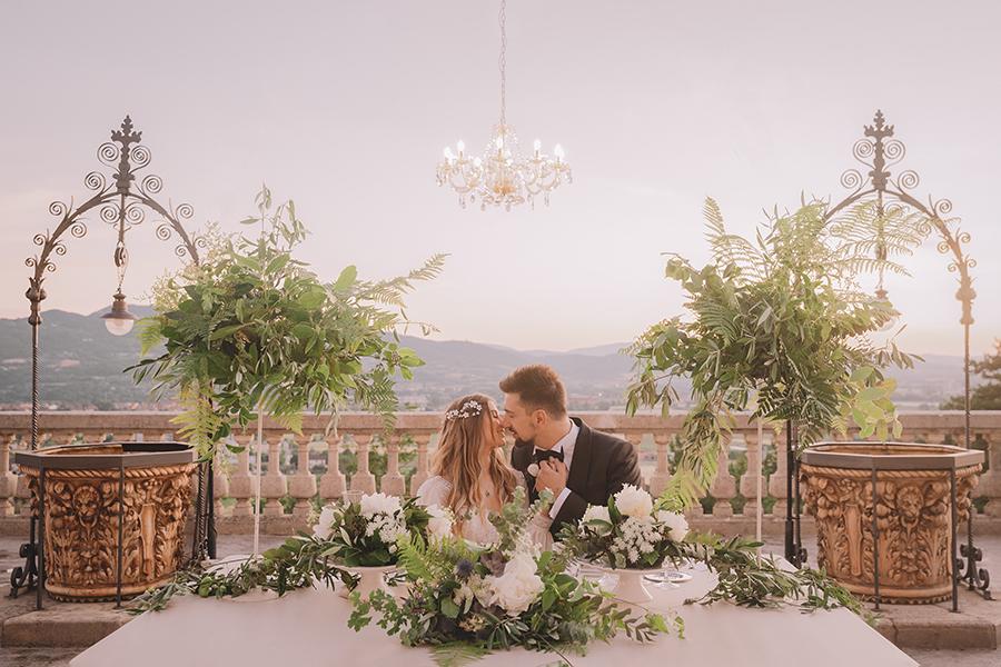 Promise me - lush green Italian wedding inspiration with an AMAZING sunset (38)