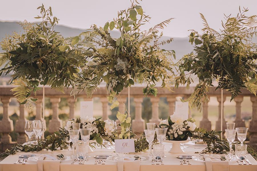 Promise me - lush green Italian wedding inspiration with an AMAZING sunset (46)