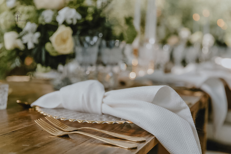 Beautiful wedding styling inspiration from The Gaddesden Estate in Hertfordshire (3)