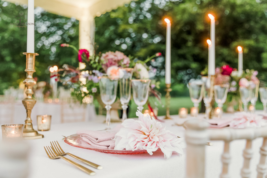 Beautiful wedding styling inspiration from The Gaddesden Estate in Hertfordshire (10)