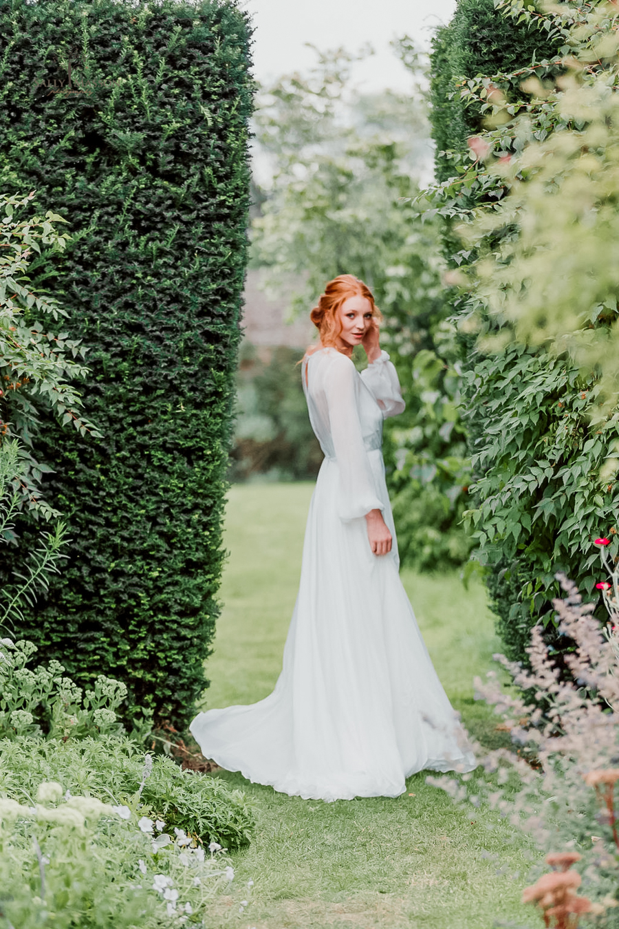 Beautiful wedding styling inspiration from The Gaddesden Estate in Hertfordshire (15)