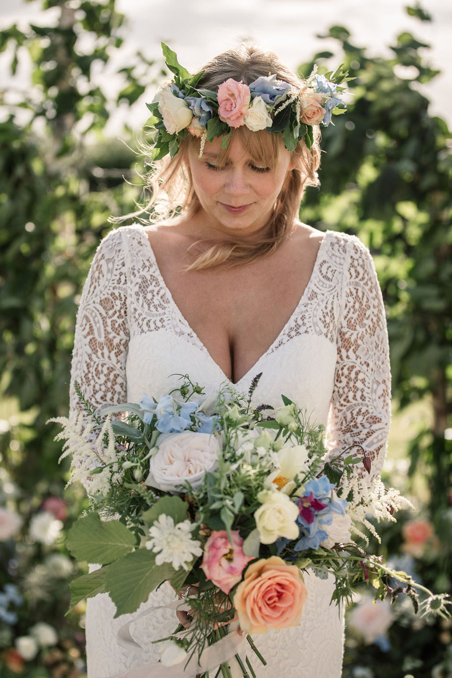 Evening sunset wedding inspiration at Willow Grange Farm, with Becky Harley Photography (26)