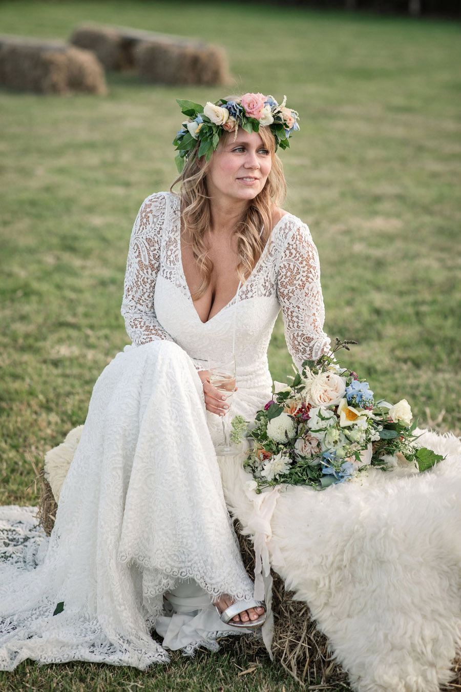 Evening sunset wedding inspiration at Willow Grange Farm, with Becky Harley Photography (1)