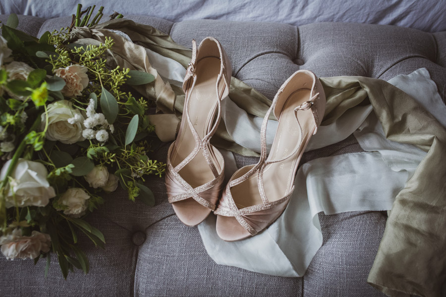 Elegant Romance at Thicket Priory, image credit Hannah Brooke Photography (5)