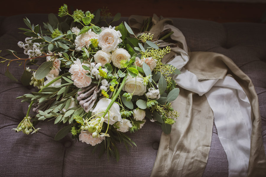 Elegant Romance at Thicket Priory, image credit Hannah Brooke Photography (8)