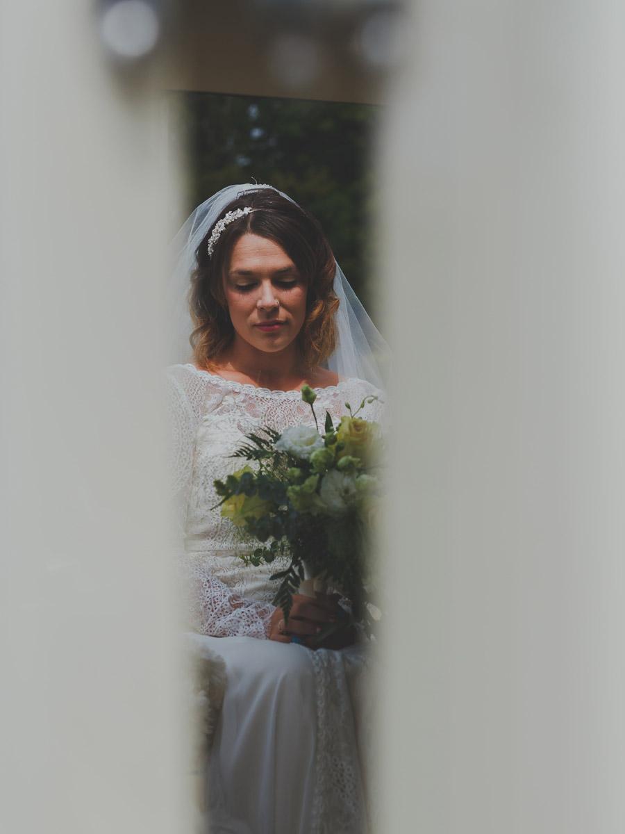 Elegant wedding at Piggy Back Barns Norfolk captured by Eternal Images Photography Ltd