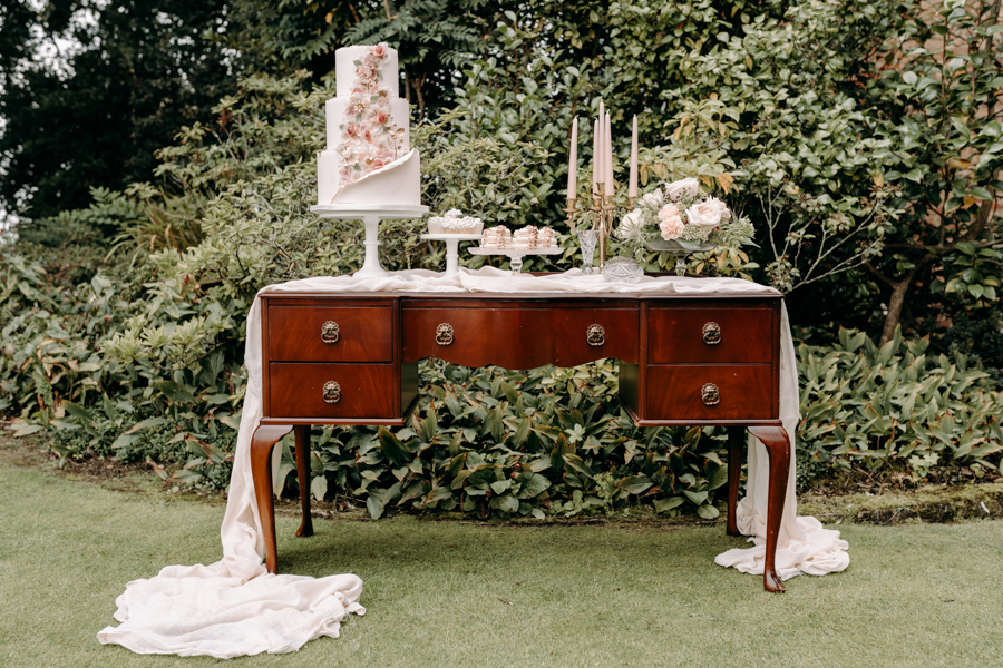 A vintage garden party wedding editorial from Derbyshire, with Willow and Rust, and images by ekr pictures (2)