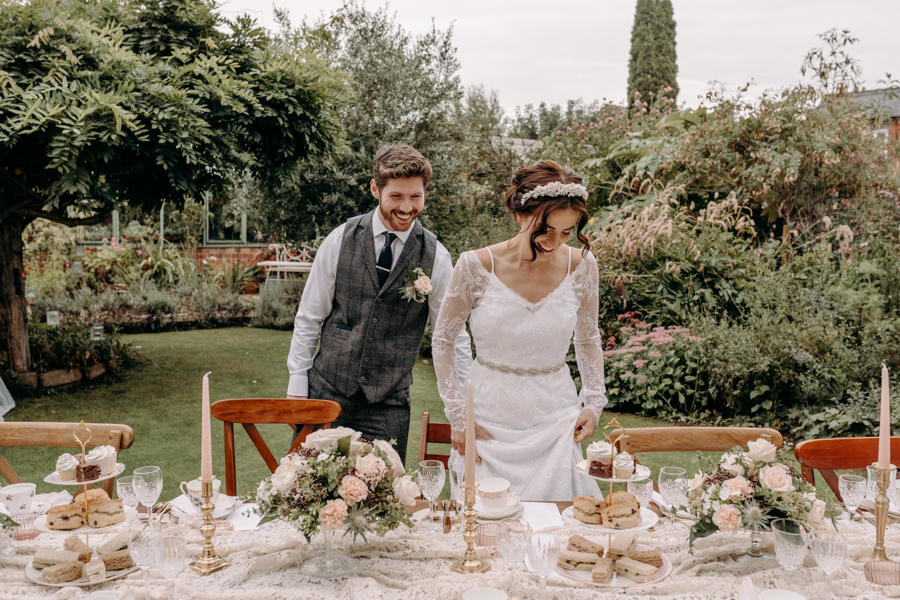 A vintage garden party wedding editorial from Derbyshire, with Willow and Rust, and images by ekr pictures (25)