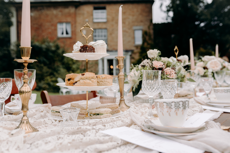 A vintage garden party wedding editorial from Derbyshire, with Willow and Rust, and images by ekr pictures (8)