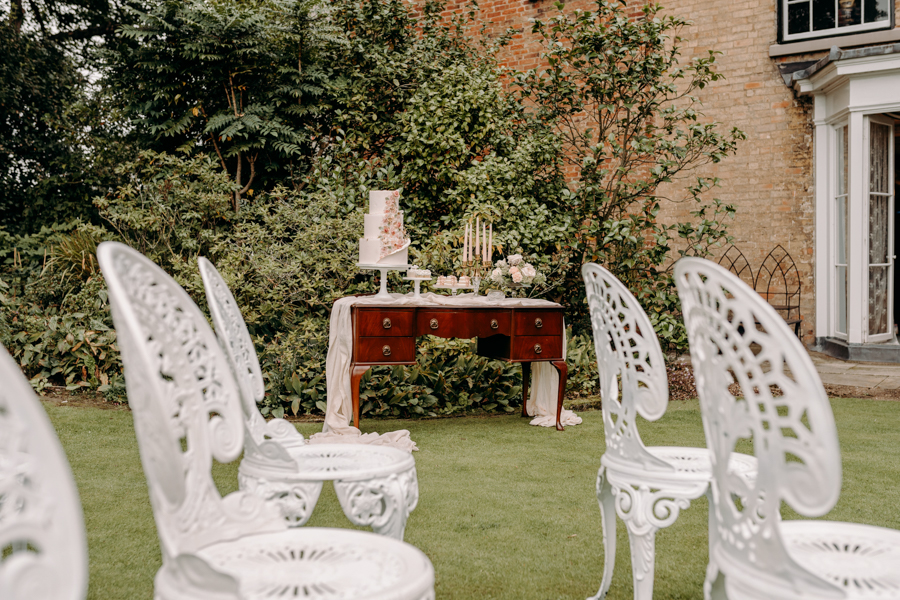 A vintage garden party wedding editorial from Derbyshire, with Willow and Rust, and images by ekr pictures (3)