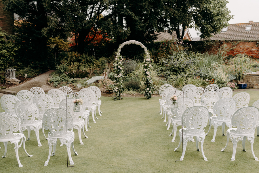 A vintage garden party wedding editorial from Derbyshire, with Willow and Rust, and images by ekr pictures (17)