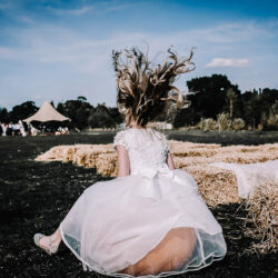 How to entertain Your Wedding Guests (with pictures!)