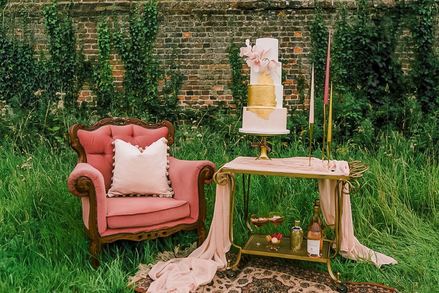 Beautiful wedding styling inspiration from The Gaddesden Estate in Hertfordshire (48)