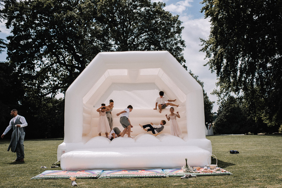How to entertain Your Wedding Guests image credit Oobaloos Photography Cheltenham (4)
