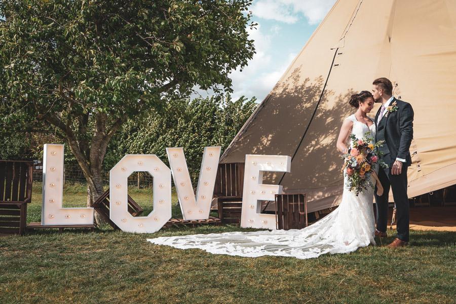 Sophisticated Boho - The New Intimate Wedding (13)