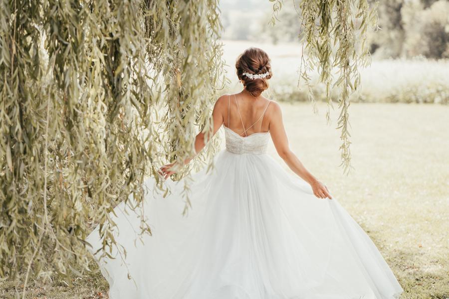 Romantically elegant styled shoot at Merriscourt (16)