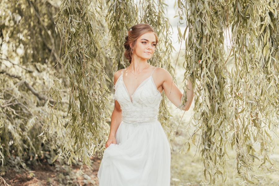Romantically elegant styled shoot at Merriscourt (17)