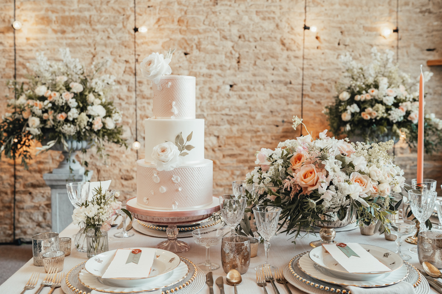 Romantically elegant styled shoot at Merriscourt (35)