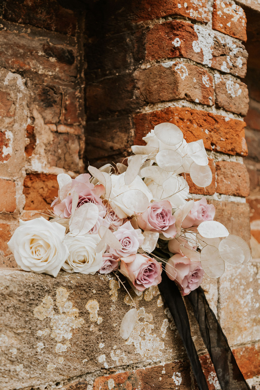 Midelney Manor – Winter pastel romance with a hint of gothic, image credit Hannah Barnes Photography (7)