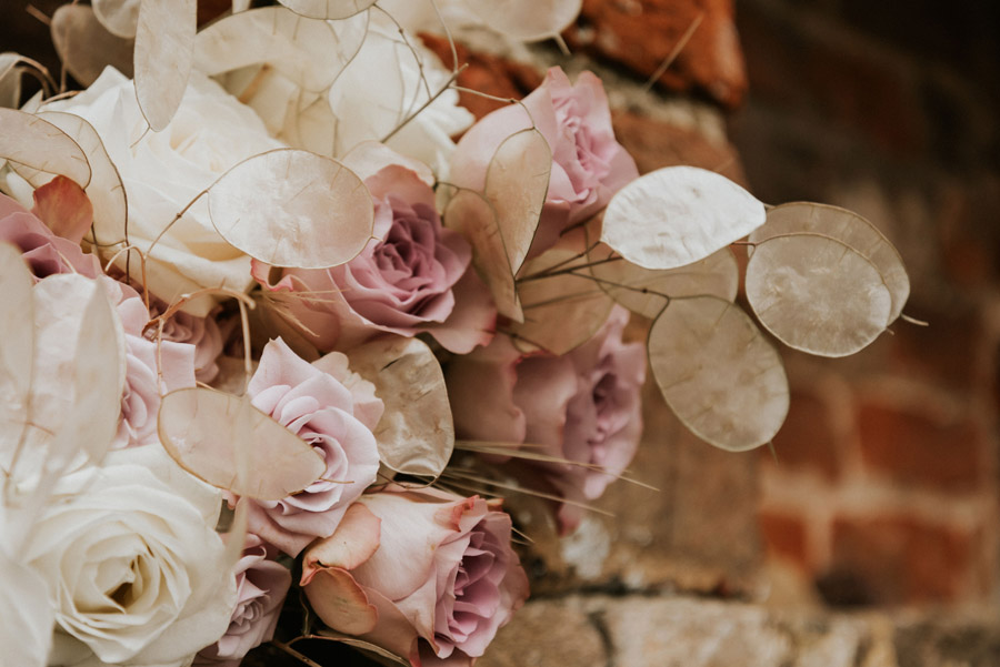 Midelney Manor – Winter pastel romance with a hint of gothic, image credit Hannah Barnes Photography (9)