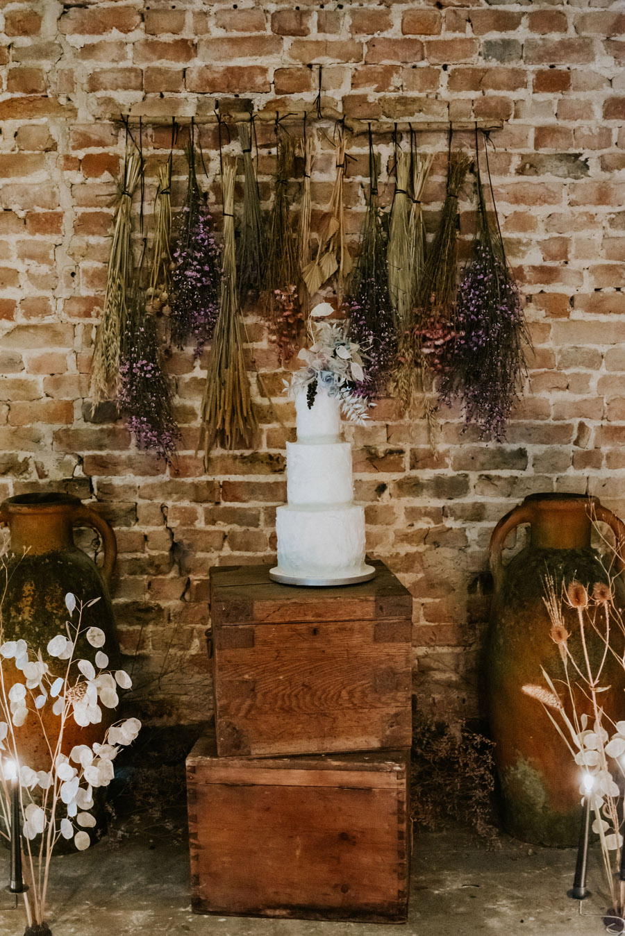Midelney Manor – Winter pastel romance with a hint of gothic, image credit Hannah Barnes Photography (12)