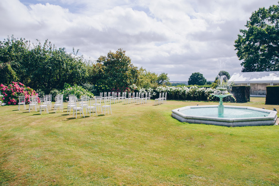 Timeless Elegance and beautiful micro wedding inspiration at New Lodge Lawns (11)