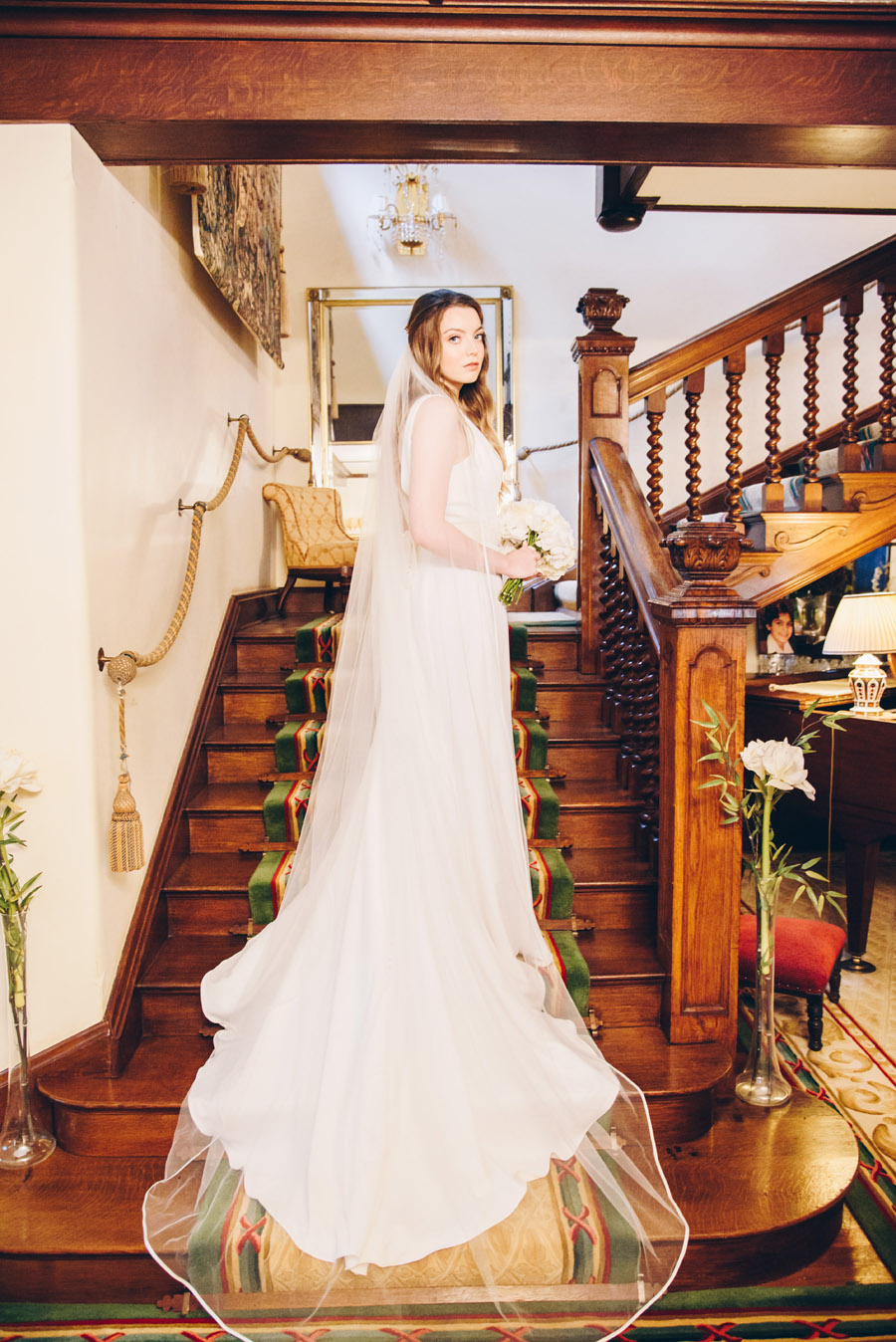 Timeless Elegance and beautiful micro wedding inspiration at New Lodge Lawns (12)