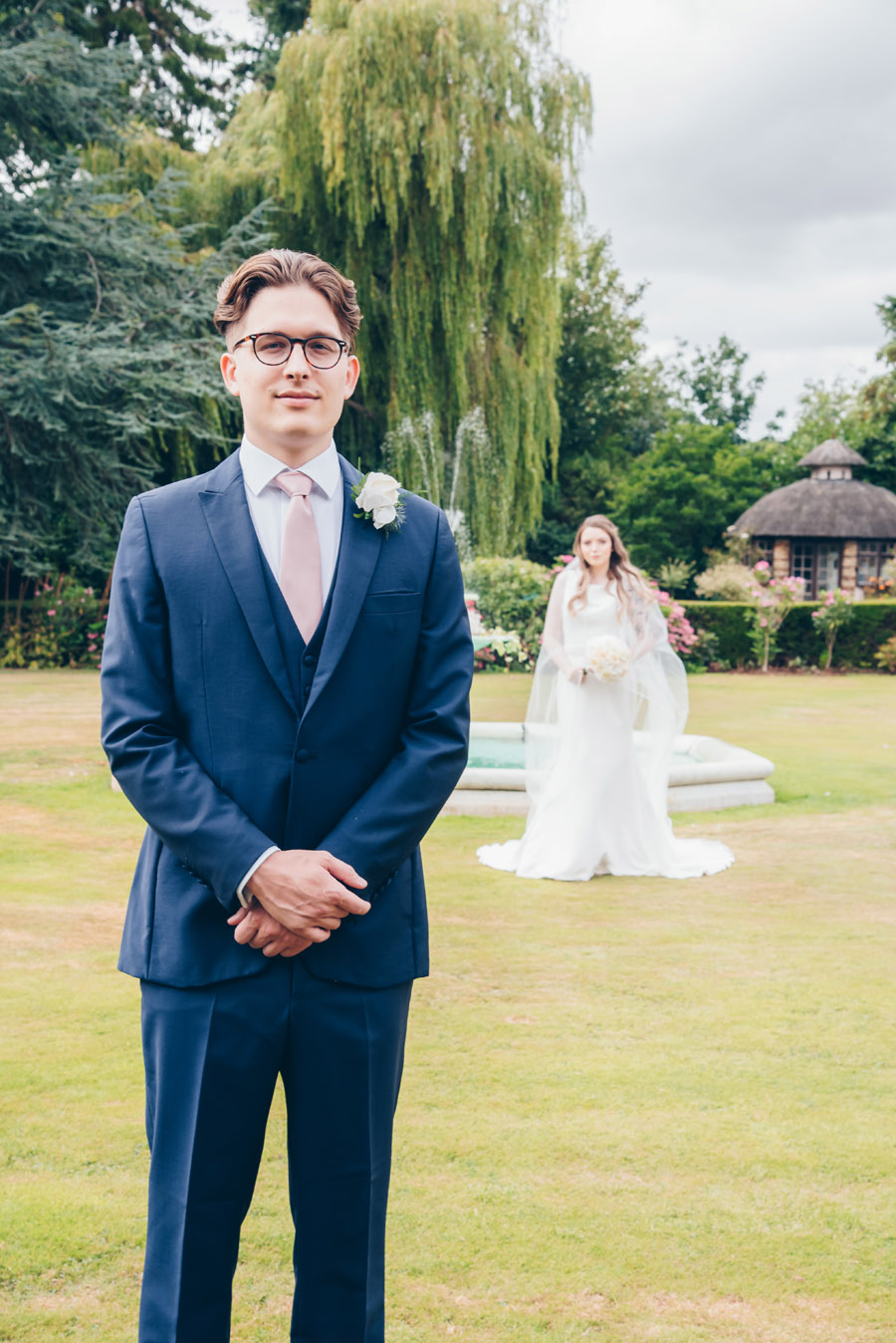Timeless Elegance and beautiful micro wedding inspiration at New Lodge Lawns (16)