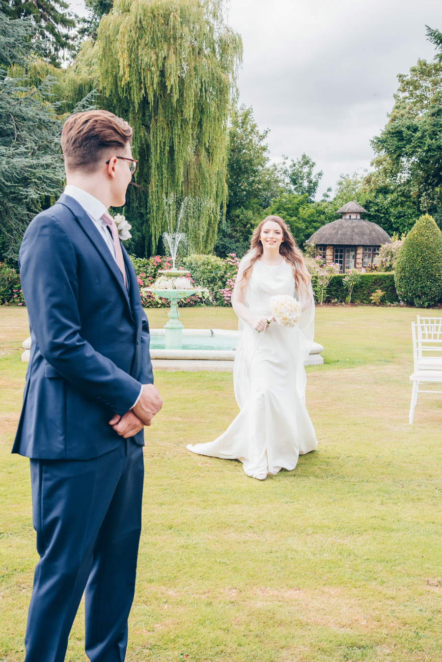 Timeless Elegance and beautiful micro wedding inspiration at New Lodge Lawns (17)