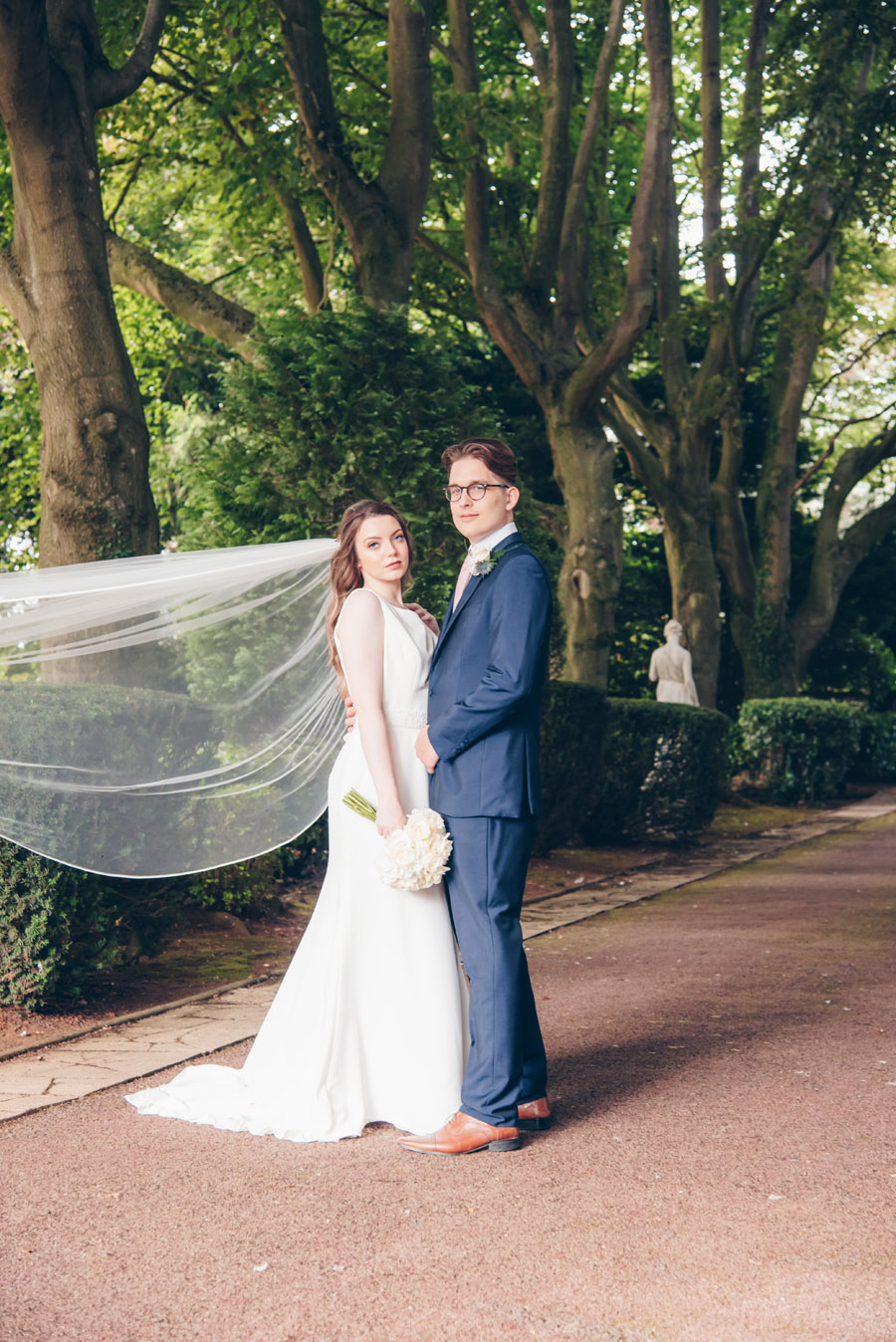 Timeless Elegance and beautiful micro wedding inspiration at New Lodge Lawns (25)