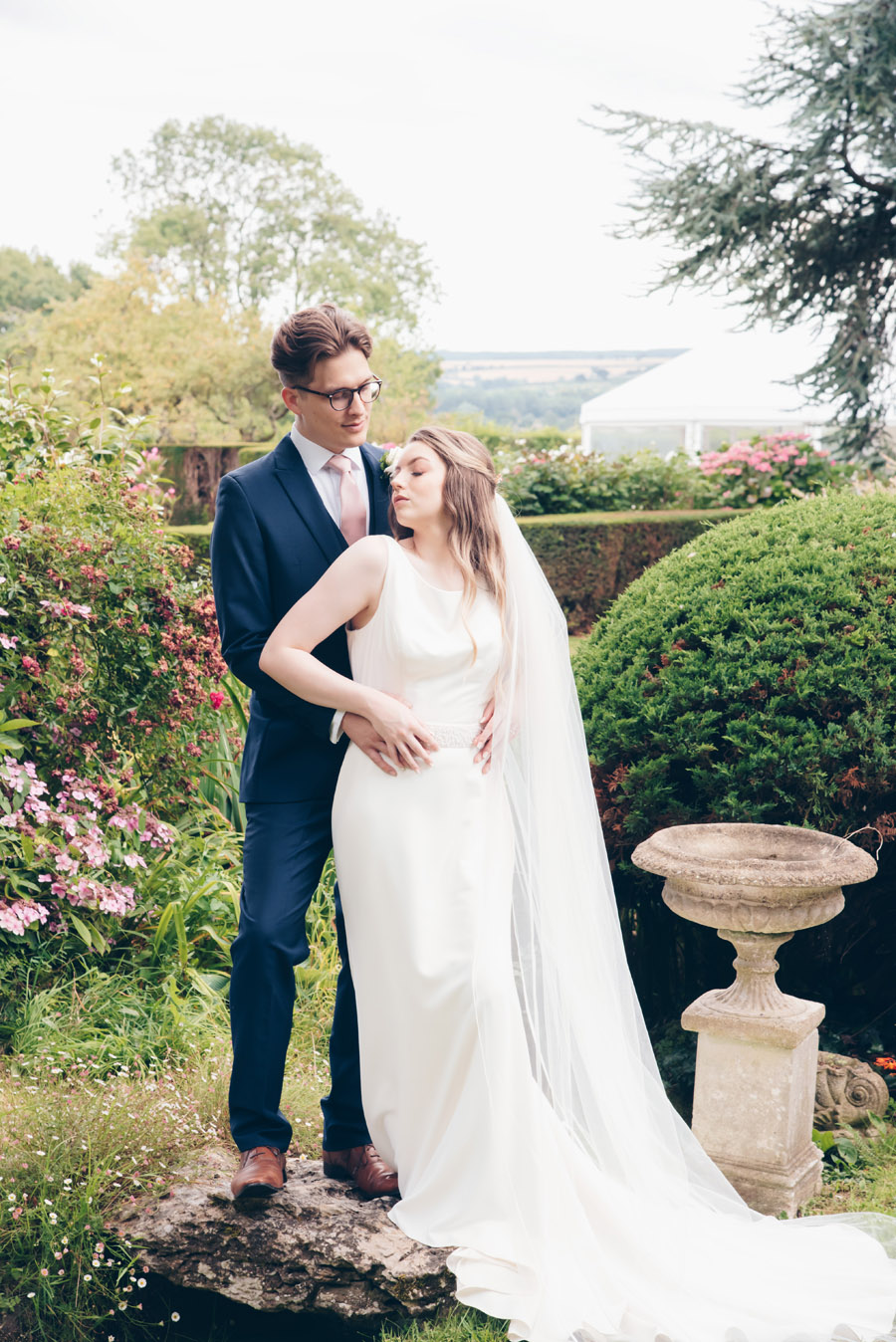 Timeless Elegance and beautiful micro wedding inspiration at New Lodge Lawns (28)