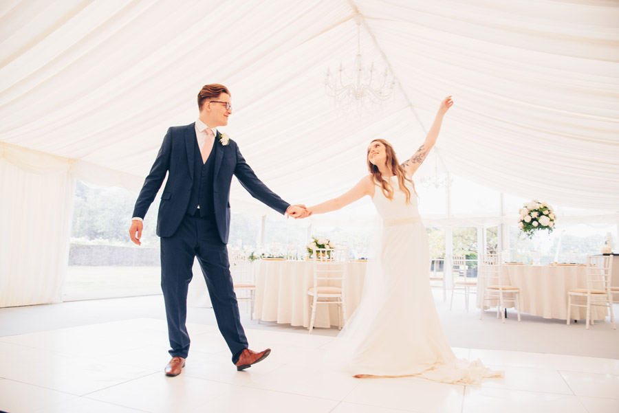 Timeless Elegance and beautiful micro wedding inspiration at New Lodge Lawns (32)