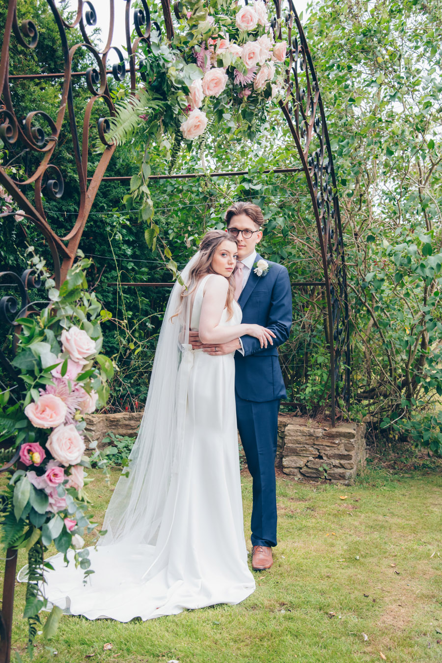 Timeless Elegance and beautiful micro wedding inspiration at New Lodge Lawns (36)