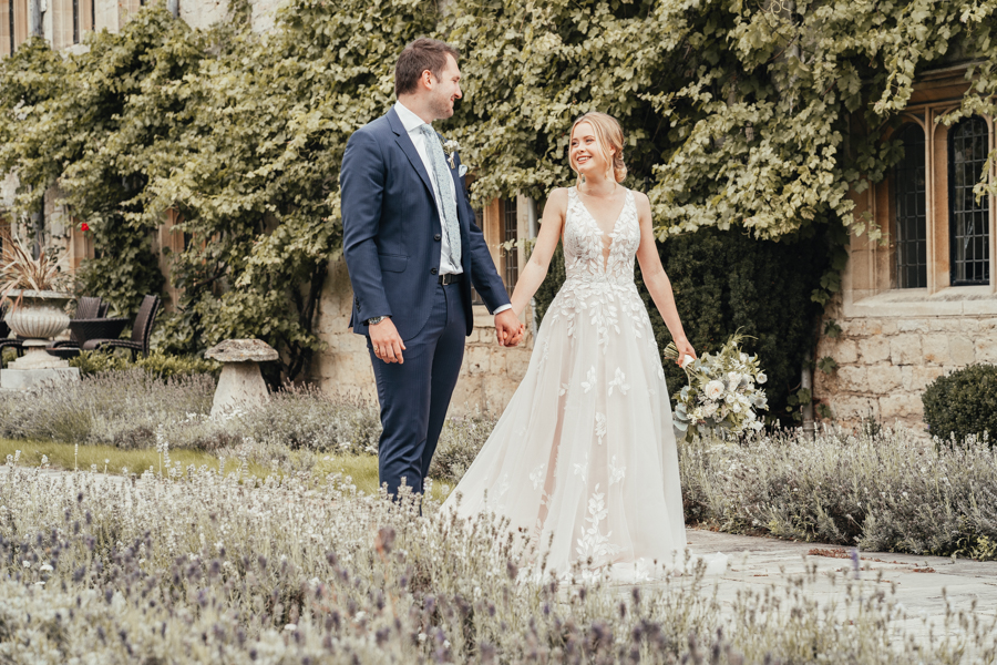 Quintessential and Elegant English Styled Shoot at Notley Abbey (11)