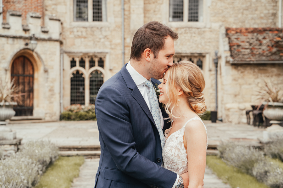 Quintessential and Elegant English Styled Shoot at Notley Abbey (14)