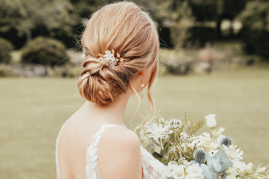 Quintessential and Elegant English Styled Shoot at Notley Abbey (17)