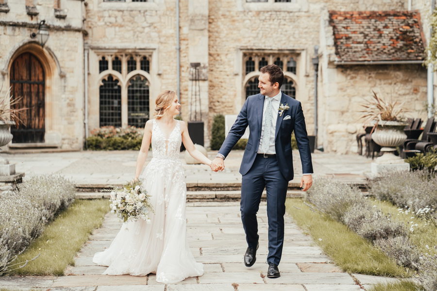 Quintessential and Elegant English Styled Shoot at Notley Abbey (18)