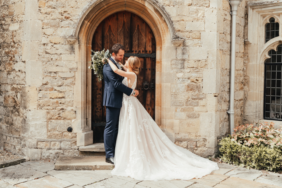 Quintessential and Elegant English Styled Shoot at Notley Abbey (21)