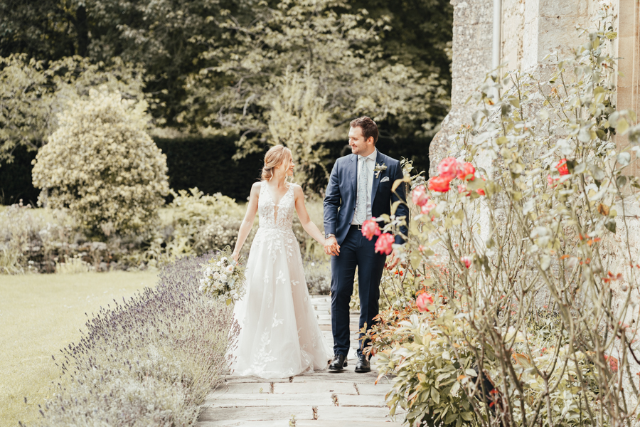 Quintessential and Elegant English Styled Shoot at Notley Abbey (23)