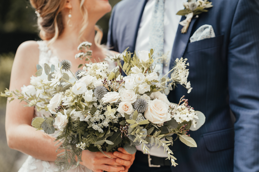 Quintessential and Elegant English Styled Shoot at Notley Abbey (24)