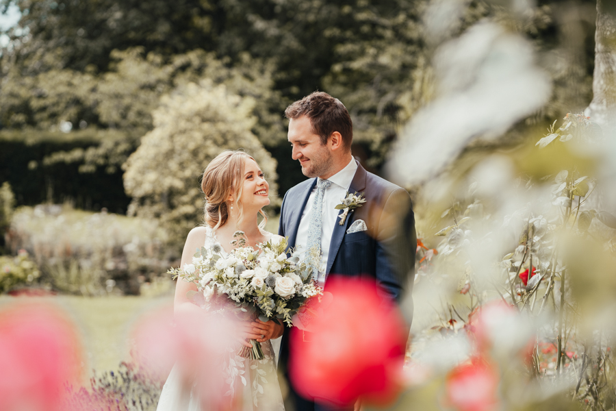 Quintessential and Elegant English Styled Shoot at Notley Abbey (25)