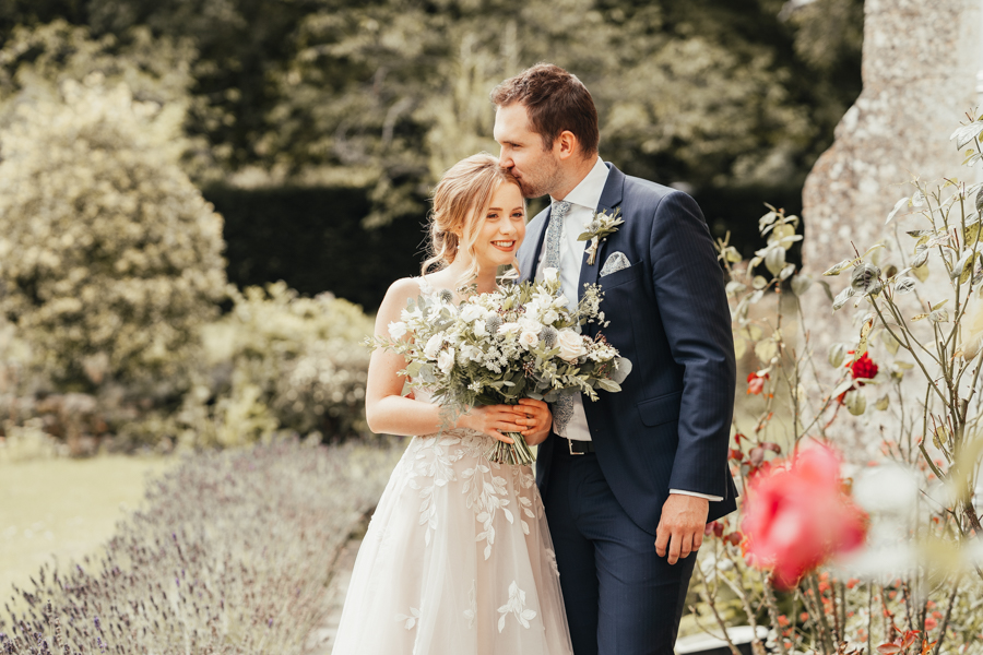 Quintessential and Elegant English Styled Shoot at Notley Abbey (26)