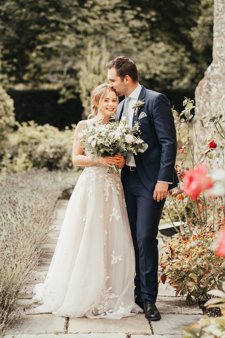 Quintessential and Elegant English Styled Shoot at Notley Abbey (28)